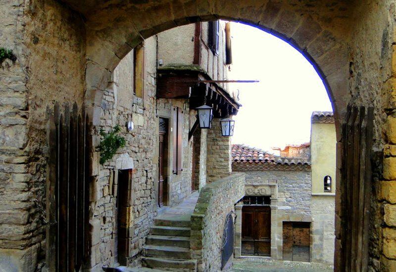 Ville Medieval de Hautpoul, 10 minutes a La Villa de Mazamet Chambre et Table D'Hote Deluxe Mazamet Tarn
