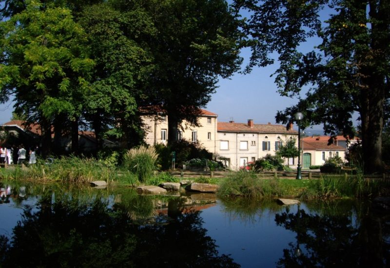 Les Jardin des Prominades, 100 metres de La Villa de Mazamet Chambre et Table D'hote De Luxe, Mazamet Tarn