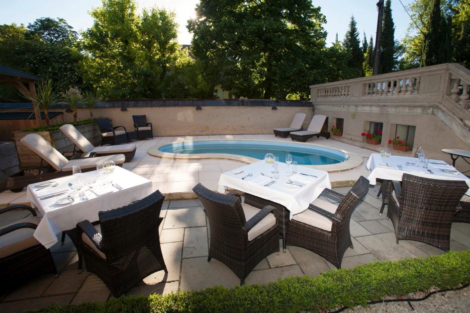 Jardin et piscine la villa de mazamet for Piscine mazamet