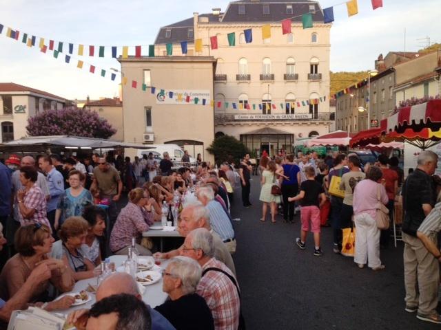 Le marché des producteurs, une des attraction de Mazamet l'été tous les lundis