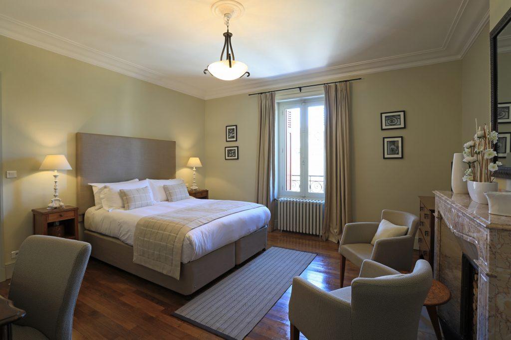 Classic Bedroom Window Chambres Du0027Hôtes Mazamet La Villa De Mazamet Luxury  Bed And Breakfast