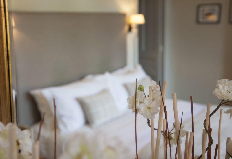 Fireplace Flowers Closeup Chambres d'Hôtes Mazamet La Villa de Mazamet Luxury Bed and Breakfast SW France