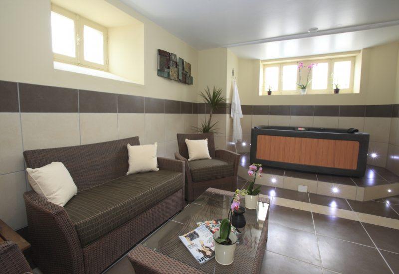 Le Petit Spa Seating Chambres d'Hôtes Mazamet La Villa de Mazamet Luxury Bed and Breakfast SW France