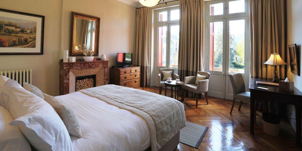 Superior Balcony Bedroom Chambres d'Hôtes Mazamet La Villa de Mazamet Luxury Bed and Breakfast SW France