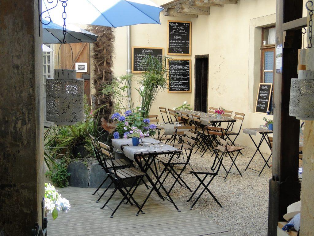 Le Ferme Au Village Courtyard Lautrec