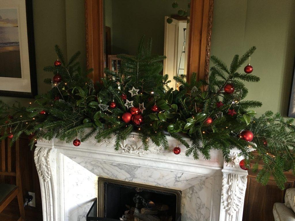 La Villa de Mazamet - creating a festive fireplace