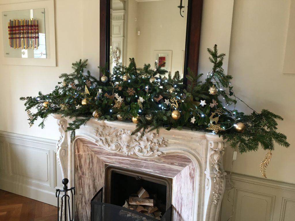 Restaurant Fireplace at Christmas 2019 La Villa de Mazamet